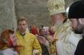 Патриарх Кирилл благословляет прихожан